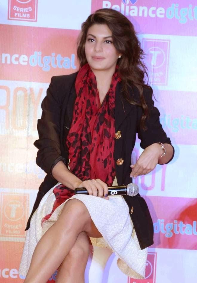 Jacqueline Fernandez Hot Leg Photos