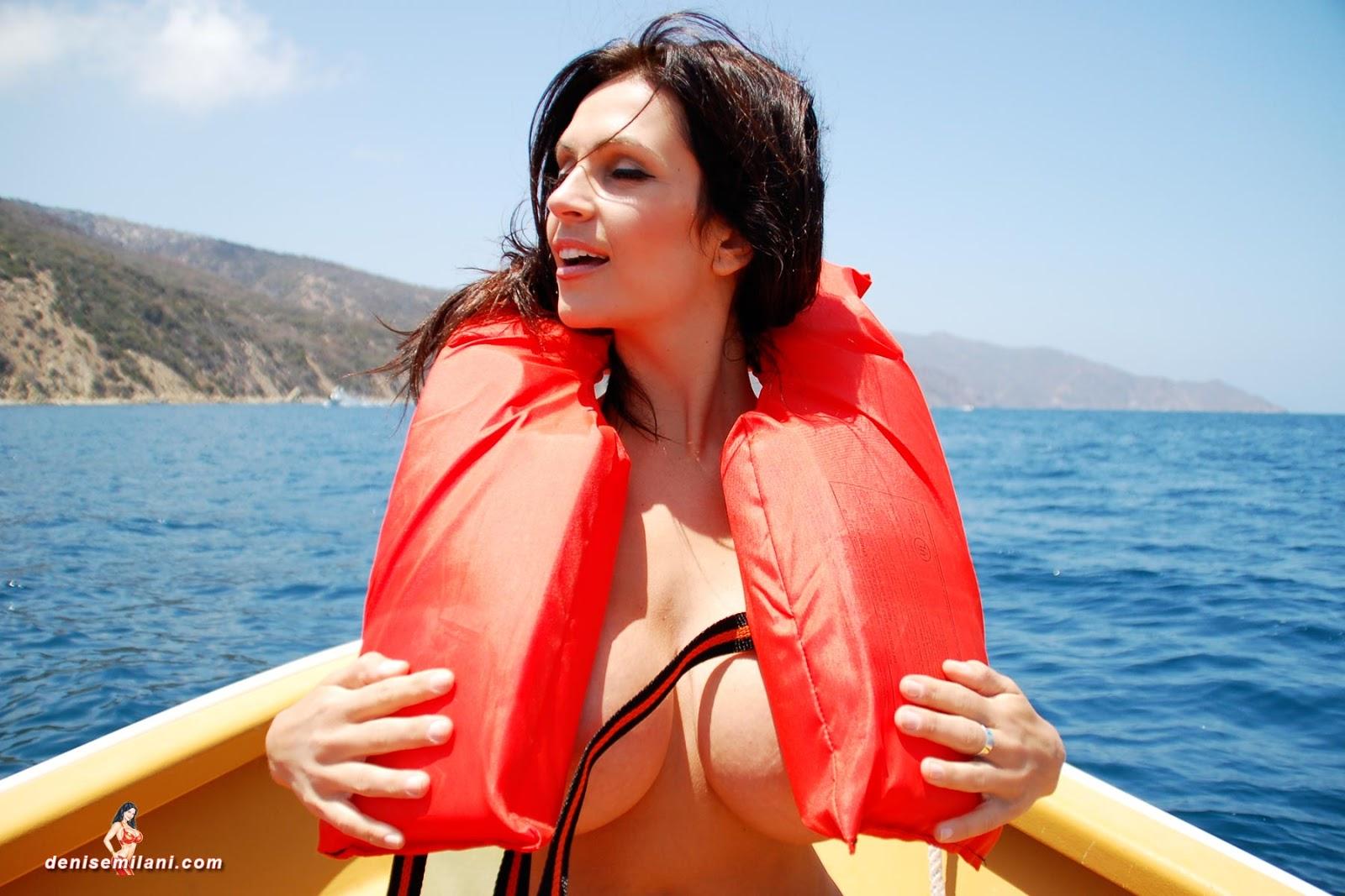 nude women calendars