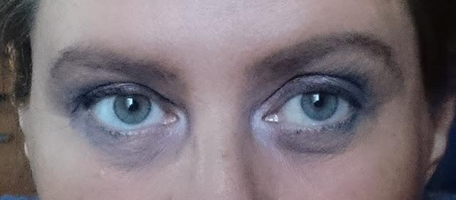 lawendowy makijaż oczu
