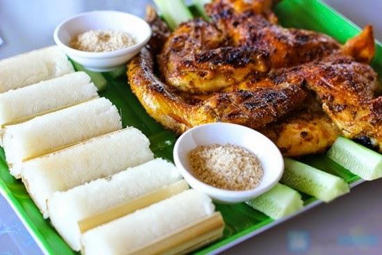 Buôn Đôn Grilled Chicken with Lam Rice (Cơm Lam Gà Nướng)2