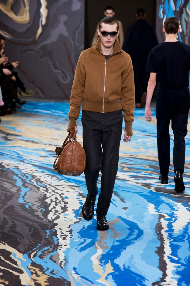 Louis-Vuitton, LV, Louis-Vuitton-homme, Kim-jones, Marc-Jacobs, fashion-week, fashion-week-paris, paris-fashion-week, sac-louis-vuitton, will-smith-louis-vuitton, mode-homme, menswear, du-dessin-aux-podiums, louis-vuitton-speedy, damier-cobalt, monogramme, louis-vuitton-speedy-bag, mercedes-benz-fashion-week, fashion-clothing
