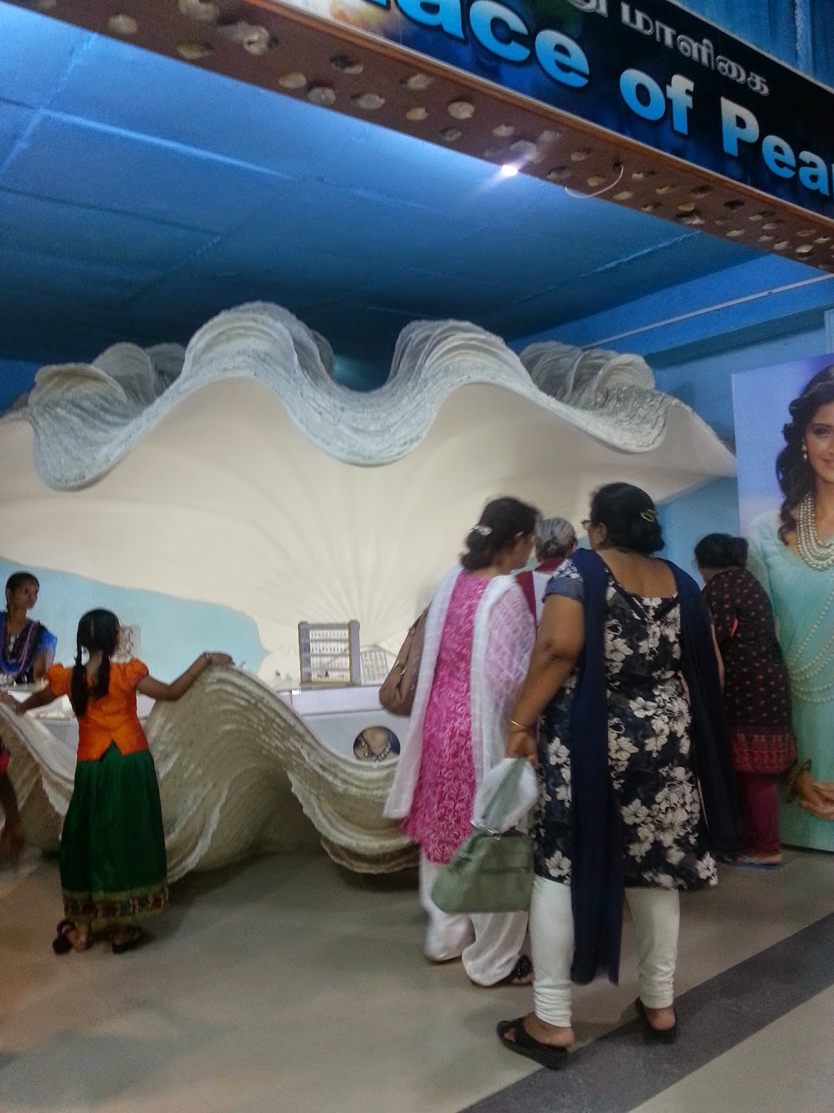 Shell Exhibition Mahabalipuram : Brewing thoughts over a cuppa coffee the amazing sea