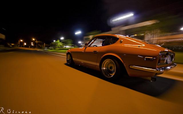 Nissan Fairlady Z S30, Datsun, kultowe stare samochody, znane klasyki, ciekawe, JDM, nocne zdjęcia