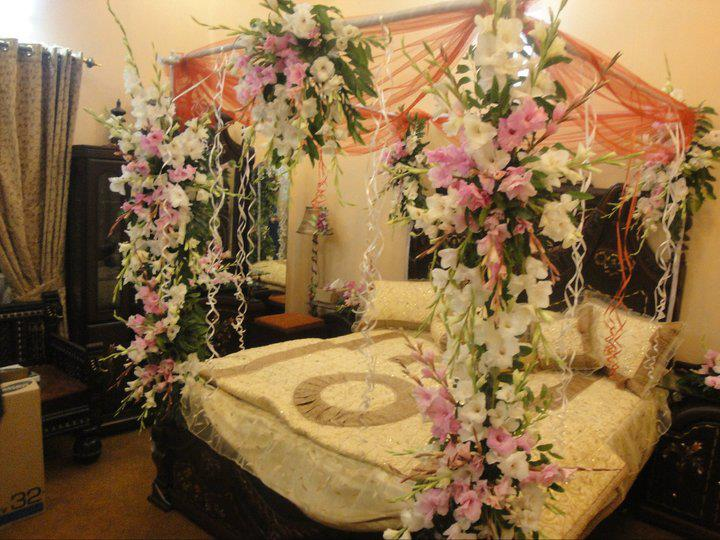 Bridal bed decoration dulha dulhan for Nuptial bed decoration