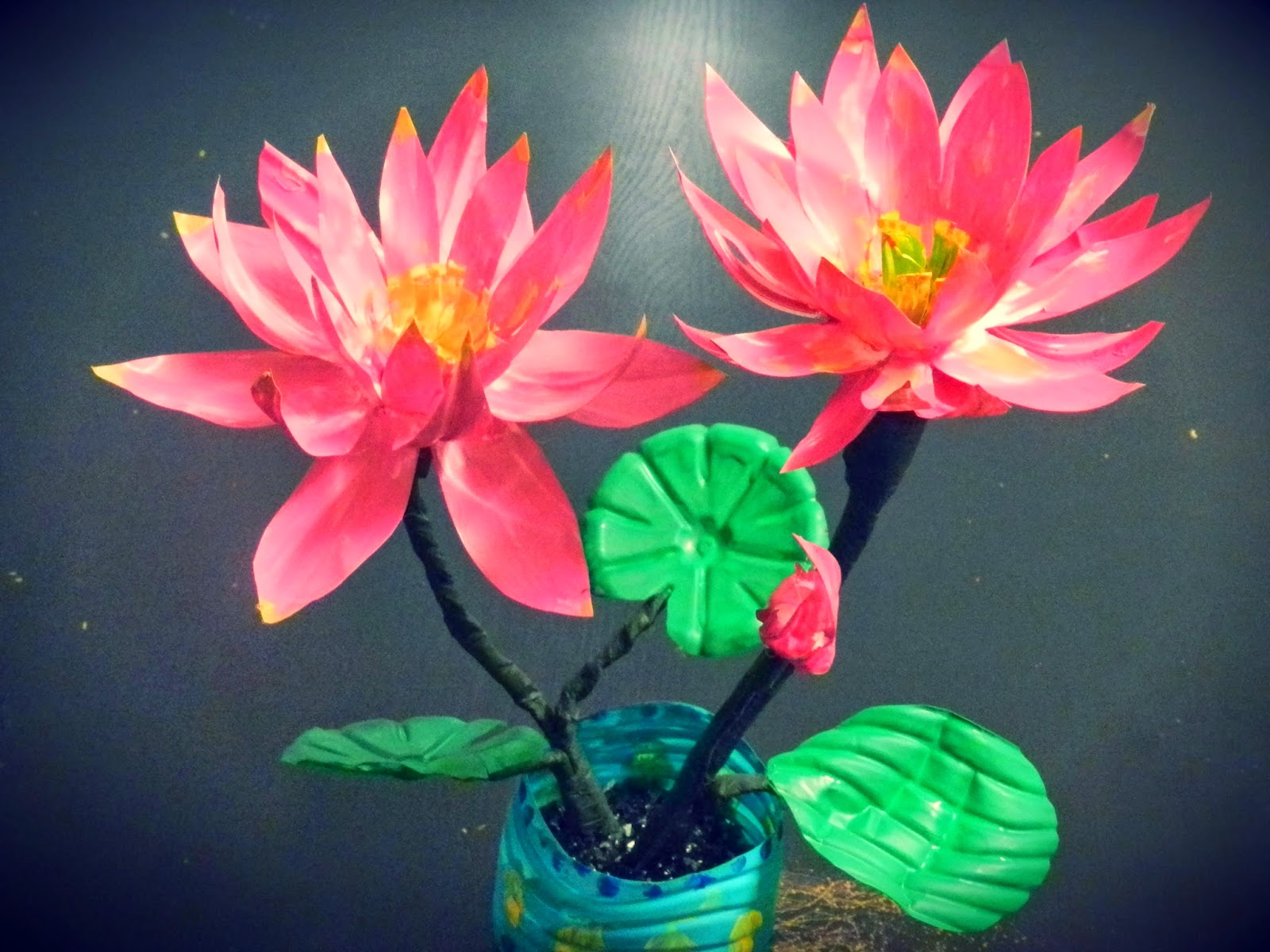 Creative diy crafts recycled diy lotus flowers with for Recycled flower art