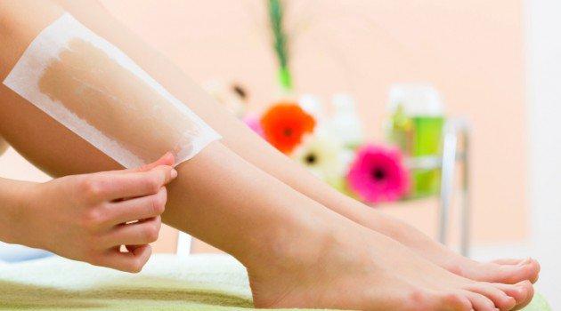 3 tipos de depilação com cera para fazer em casa
