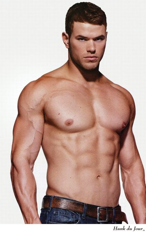 Shirtless Kellan Lutz (Hercules, Tarzan) giving you serious gym inspiration