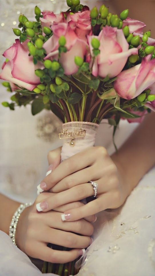 Bride Holding Roses   Galaxy Note HD Wallpaper