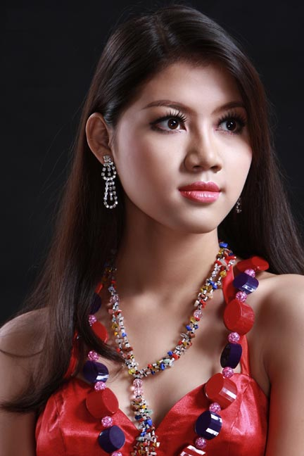 myanmar raising star model chan me me ko