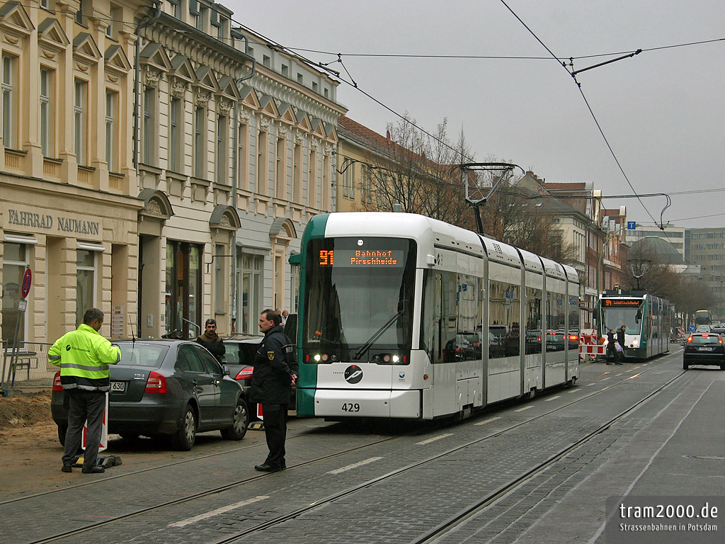 PotsTram - der Potsdamer Straßenbahnblog: Flotter Dreier auf dem Weg ...