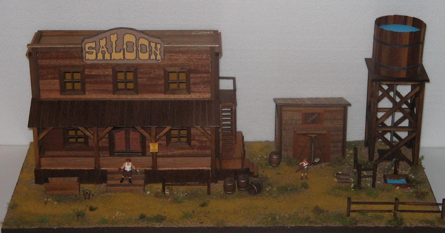 il passato ritorna saloon western