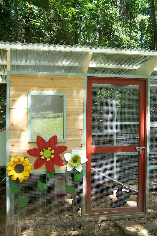 tara dillard love gift chicken coop. Black Bedroom Furniture Sets. Home Design Ideas