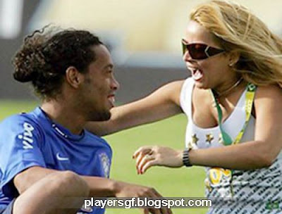 Ronaldinho and his wife Janaina Mendes