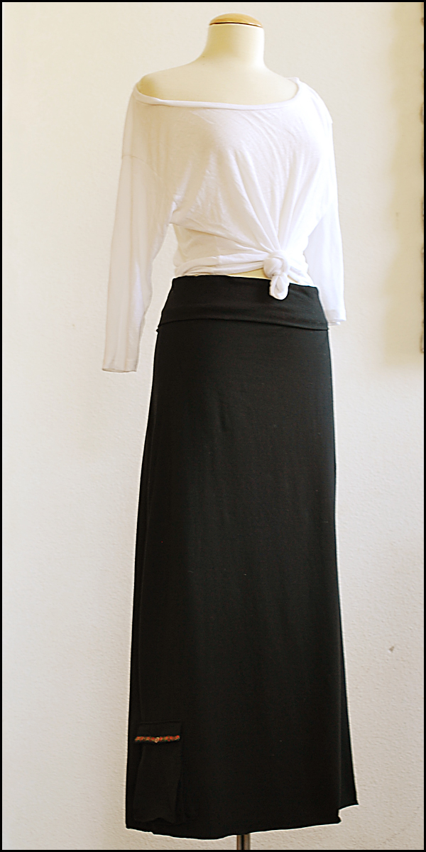 pretty ditty maxi skirt with accordion pocket