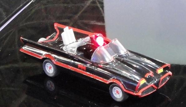 Miniaturas colecionáveis do Batmovel nos postos Shell 3