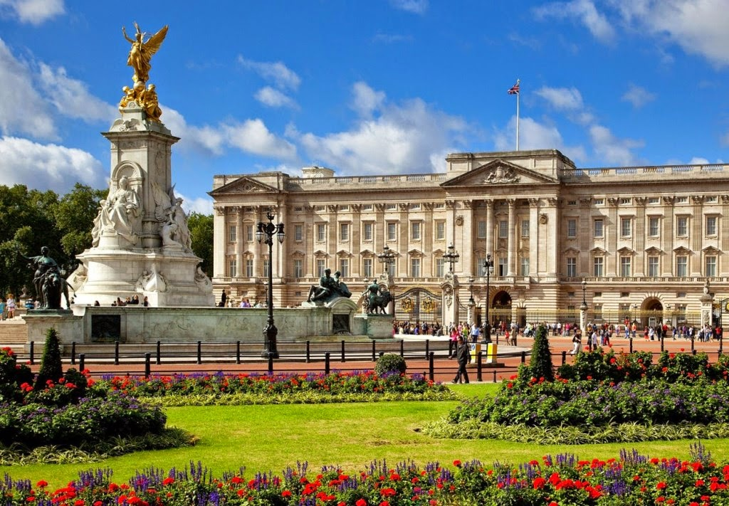 Buckingham Palace The Most Beautiful Palace In The World Mathias Sauer