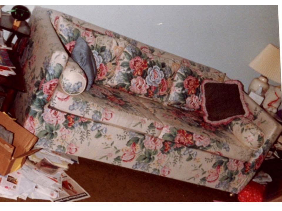Spinsta large throwback thursday rescuing a 70s plaid for 80s floral couch