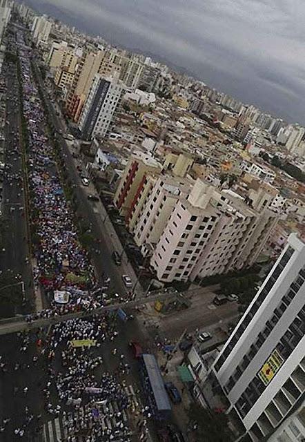 Quase meio milhão de peruanos na Marcha pela Vida 2015, Lima