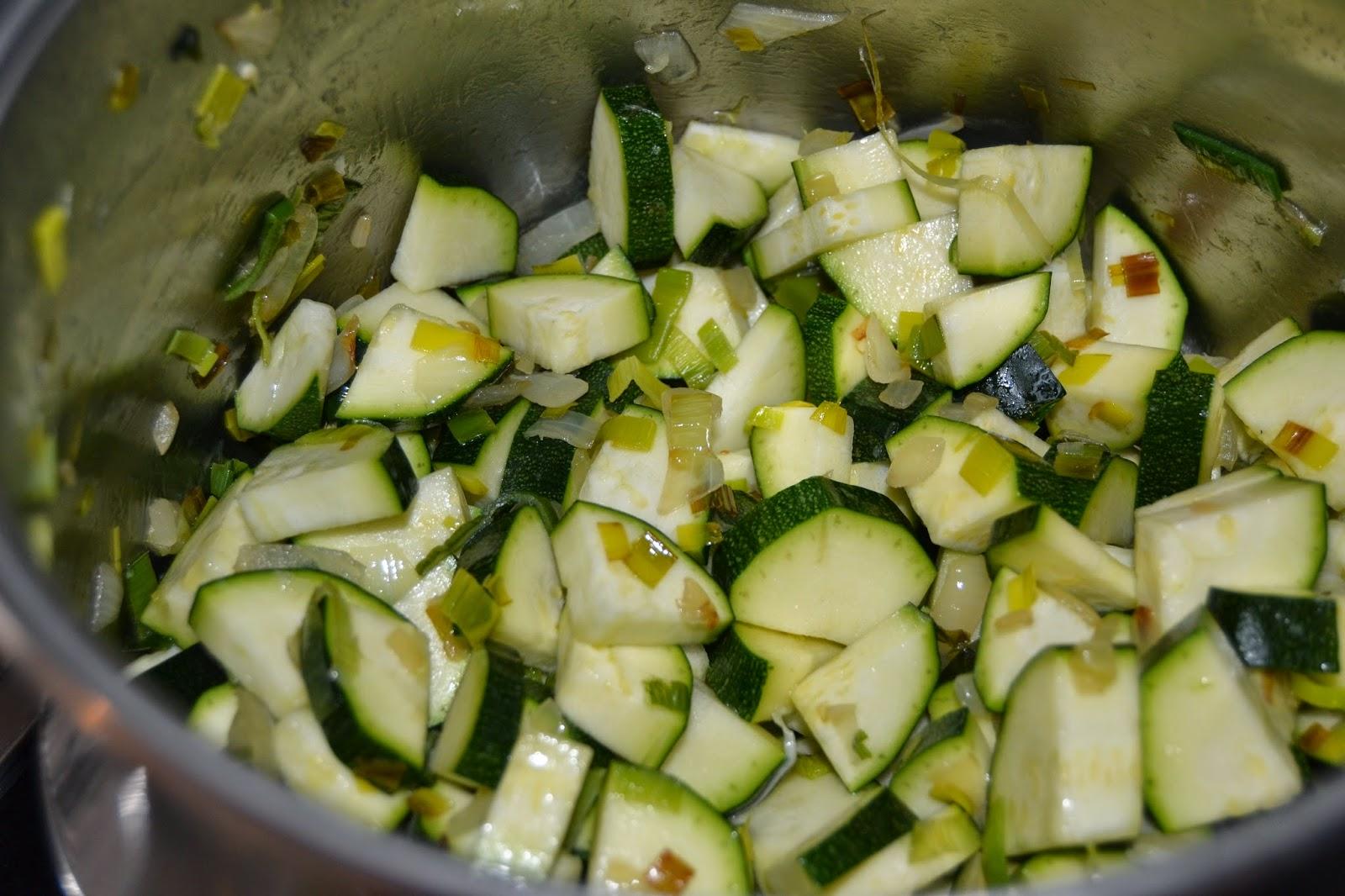 bubango, cebolla y puerro al fuego