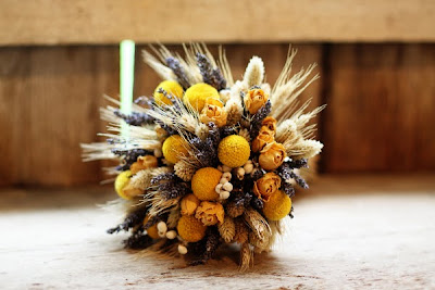 rustic yellow wedding bouquet