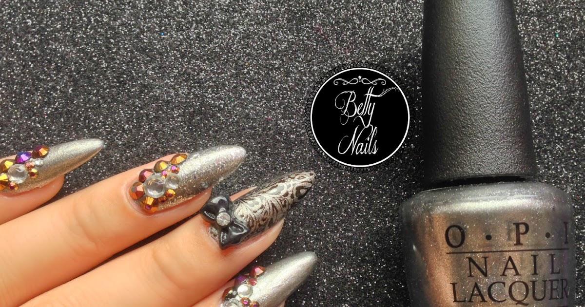 betty nails silver christmas nailart