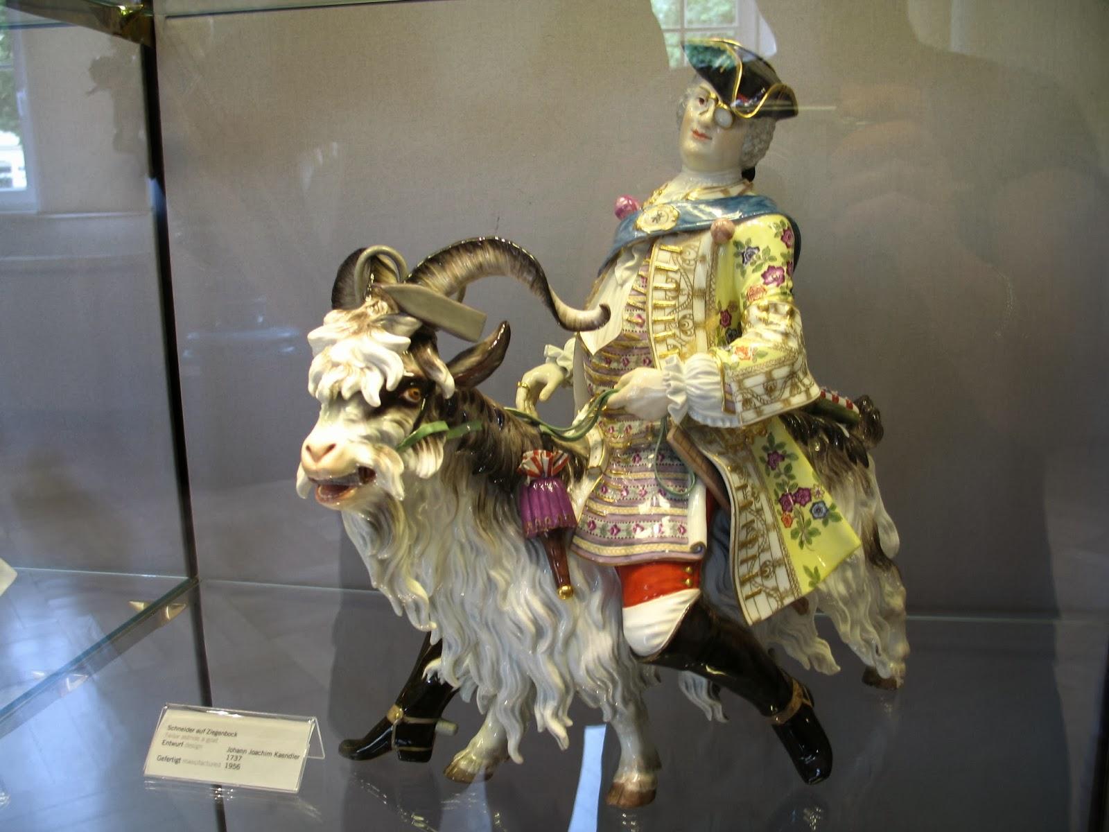 antiques porcelain