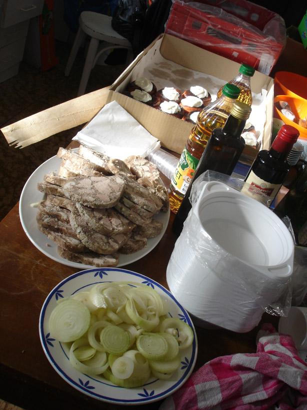 Masopust na Krásné 11. 2. 2012 - dobroty v kuchyni