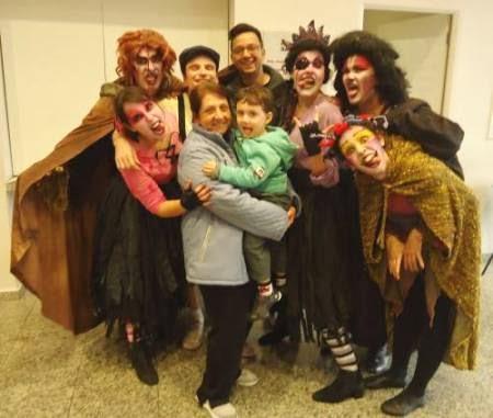 Rodrigo Palmieri, ex-aluno do MICA fundou e dirige a República Ativa de Teatro.
