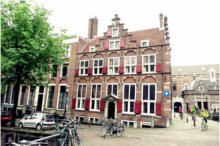 Amsterdam Travel Diary Tag 3 mit Munttoren Bloemenmarkt Magere Brug Sluyswacht Hash Marihuana & Hemp Museum Rembrandthaus Huis aan de drie Grachten NEMO EYE Film Instituut Nederland Amsterdamer Bibliothek