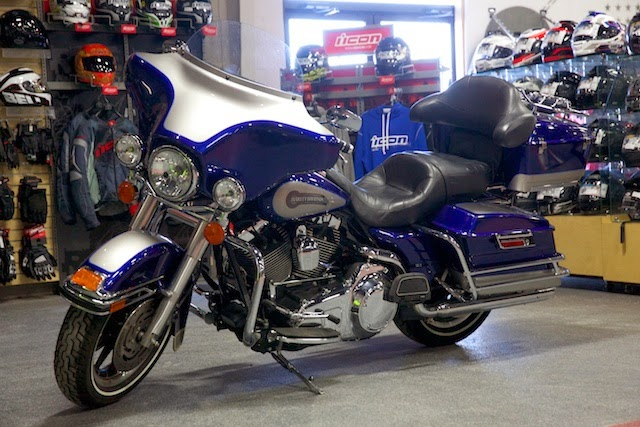 Harley-Davidson FLTR Road Glide HD Wallpapers