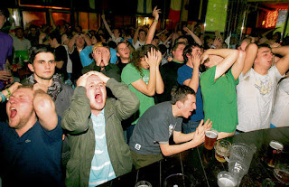 Irish fans get emotional in their local bar