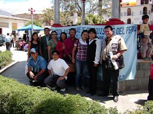 Con periodistas y amigos