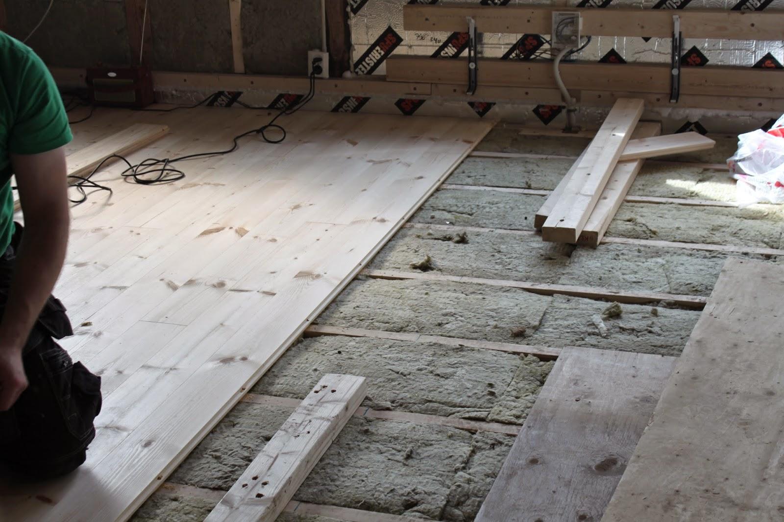 puukorotettu lattia