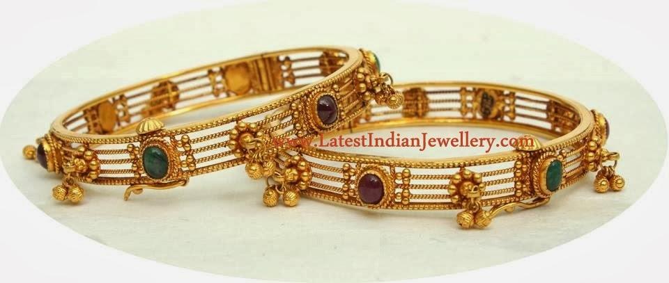 Designer Gold Bangles Set
