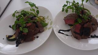 世田谷区(瀬田・等々力)のお誕生会に出張シェフ・出張イタリアン:牛肉のタリアータ バルサミコソース 季節野菜を添えて
