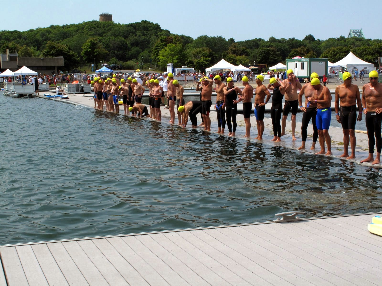 The 3km open water start for the 60 - 64 age gropu.  Steve Presescott is in there somewhere.  Note that some swimmers have  the full body swimsuits on (these are legal)