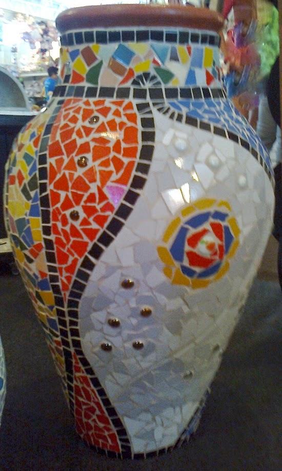 Cerâmica revestida de mosaico Paraíba