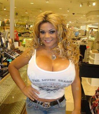фото девушек с большой грудью бразилии