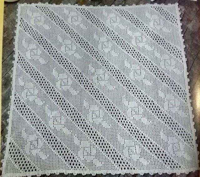 Mais modelos de tapetes ou centros de mesa em croch amor for Tapete en ingles