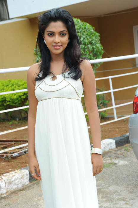 amala paul spicy galley in white dress at event