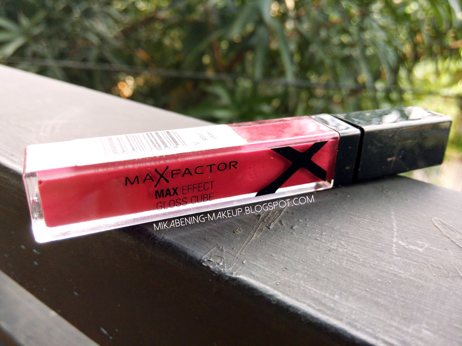 Review Max Faxtor Max Effect Gloss Cube Sweet Cassis