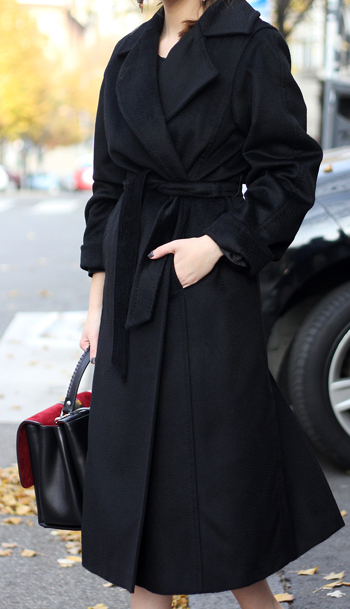 Max Mara Manuela coat street style on Fashion and Cookies fashion blog, fashion blogger