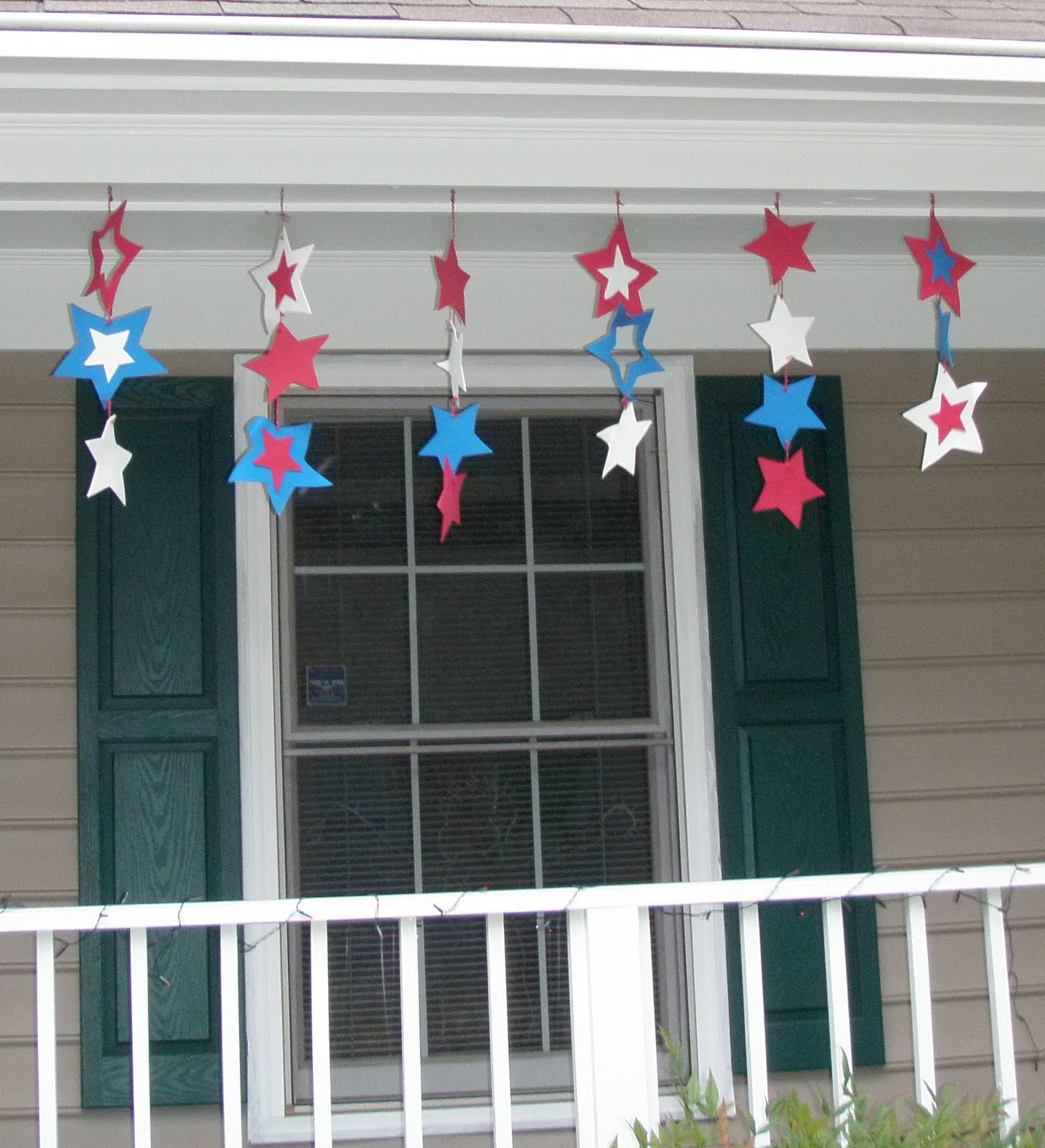 crack of dawn crafts spreading patriotic cheer with craft foam a 4th of july decoration idea. Black Bedroom Furniture Sets. Home Design Ideas
