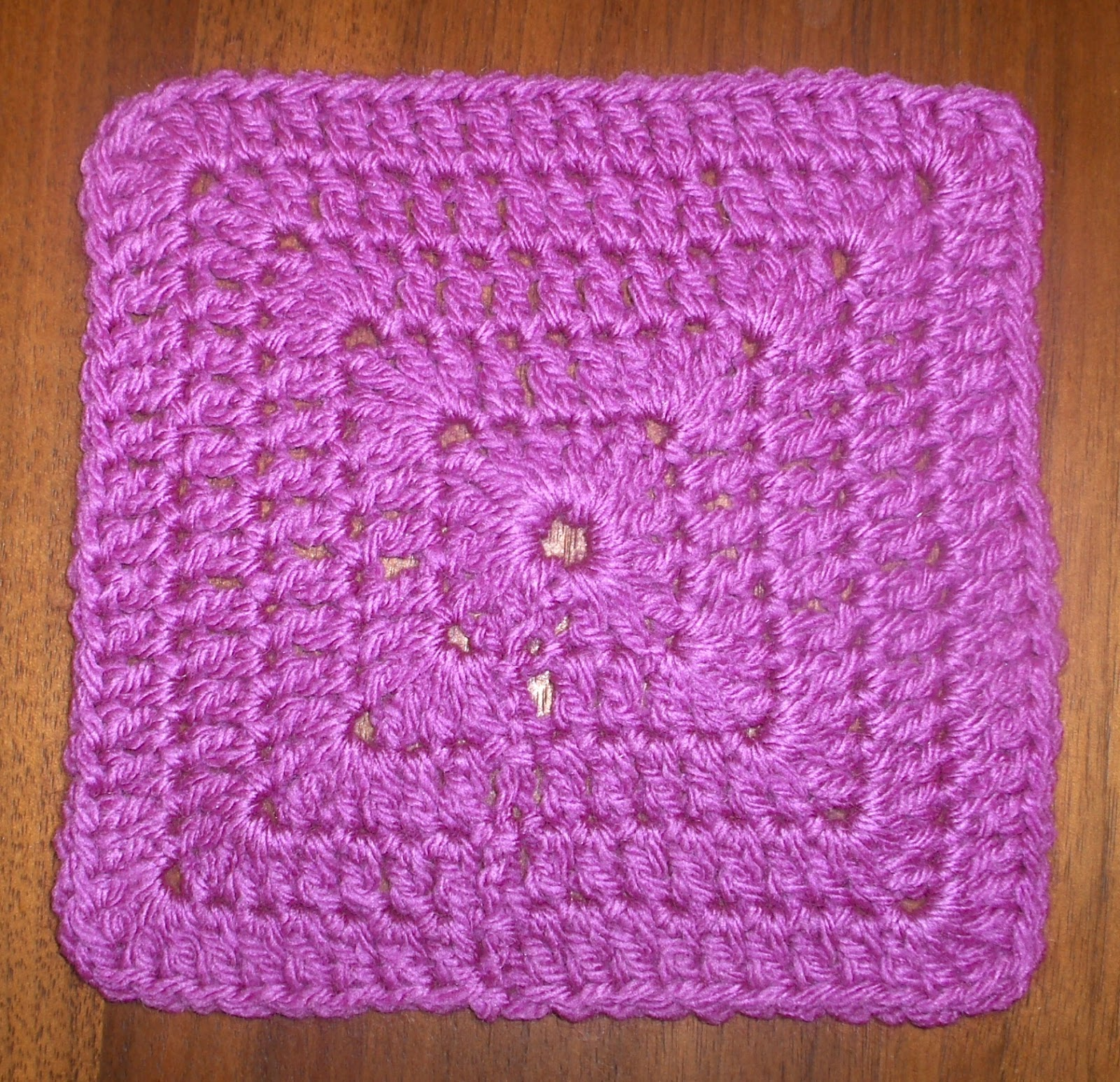 Basic Crochet Pattern For Granny Square : Das Crochet Connection: GSC (Granny Square Challenge) Update