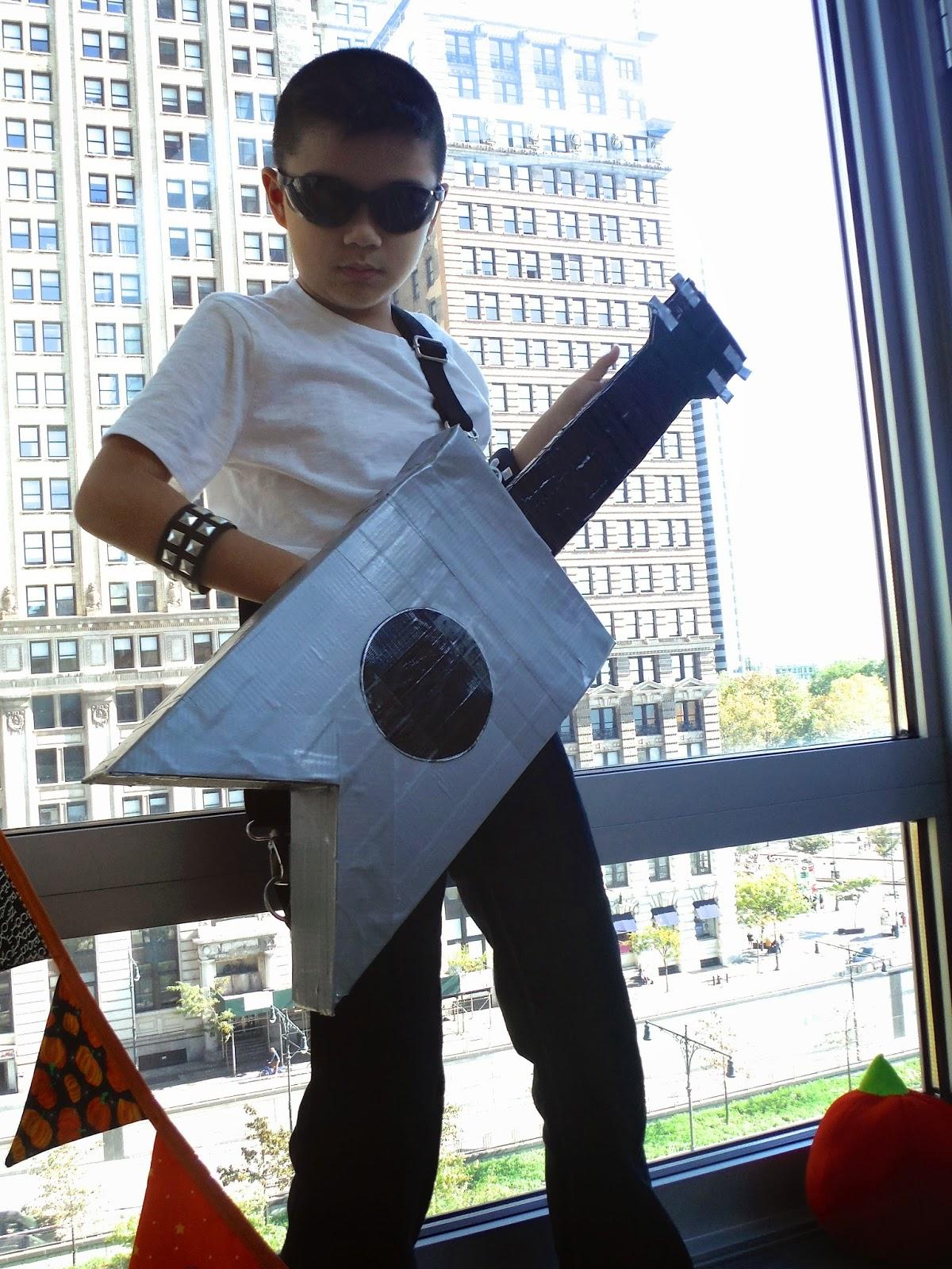 """Guitar Trick-or-Treat """"Bag"""""""