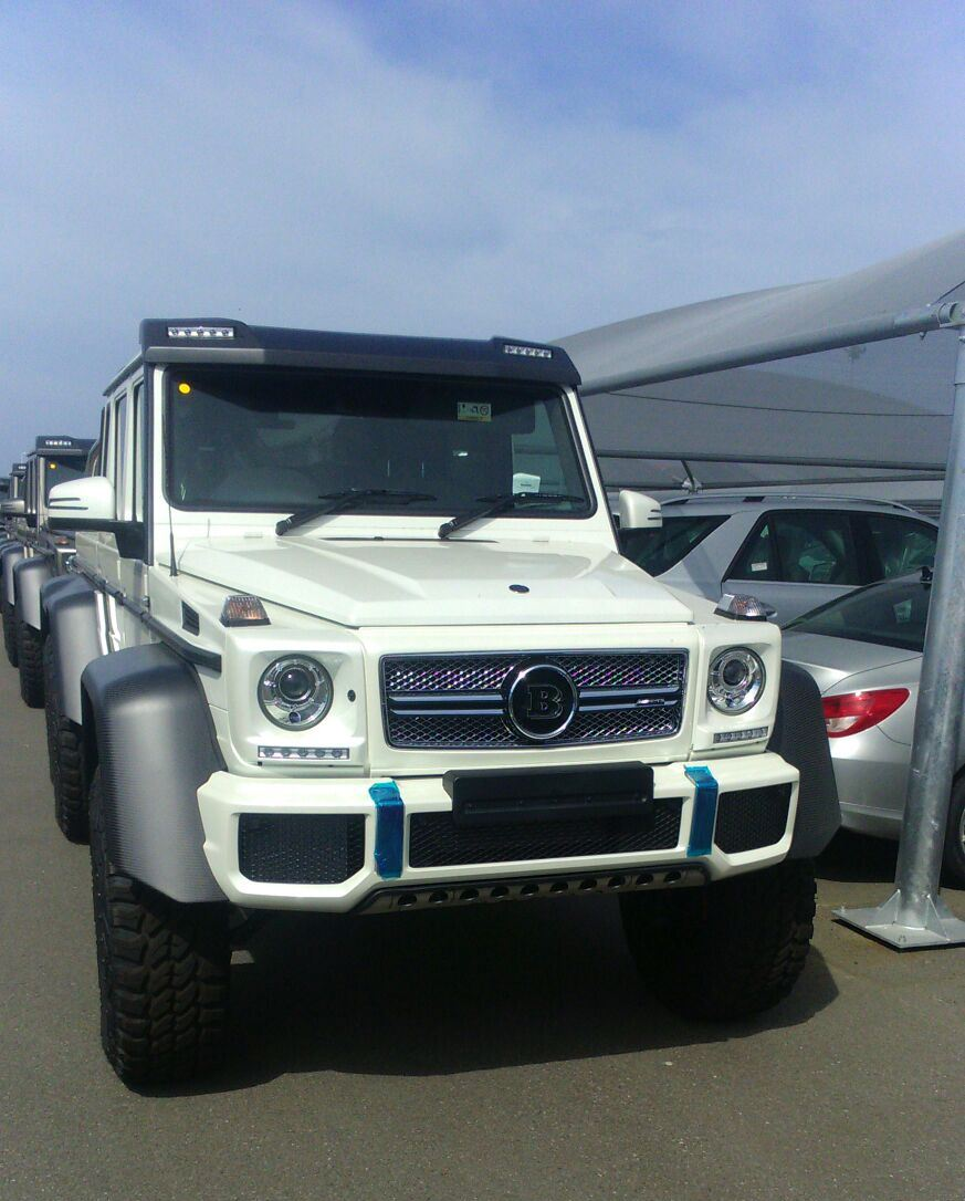 Mercedes benz g63 amg 6x6 39 s steam roll into south africa for Mercedes benz g63 6x6 amg