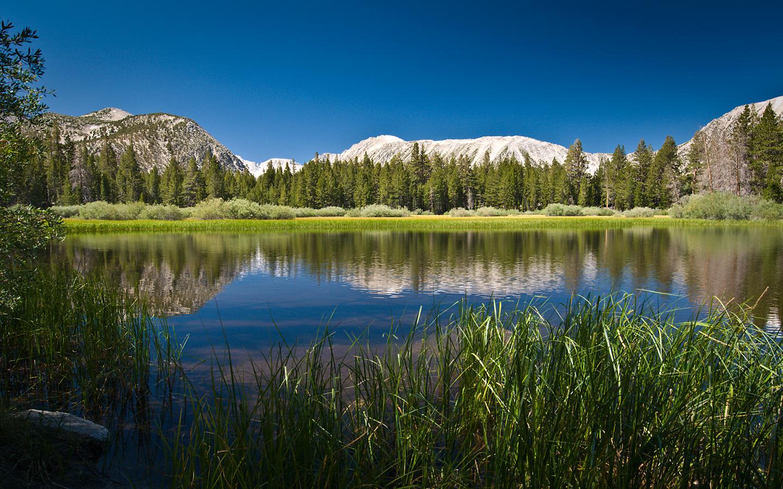 http://1.bp.blogspot.com/-8M3sG2fPlDI/Tor9GsC1SgI/AAAAAAAABXo/cBq8R6PsDHE/s1600/mountain-fullhd-walpaper.jpg