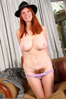 Sexy bitches - bre032TMA_186922090.jpg