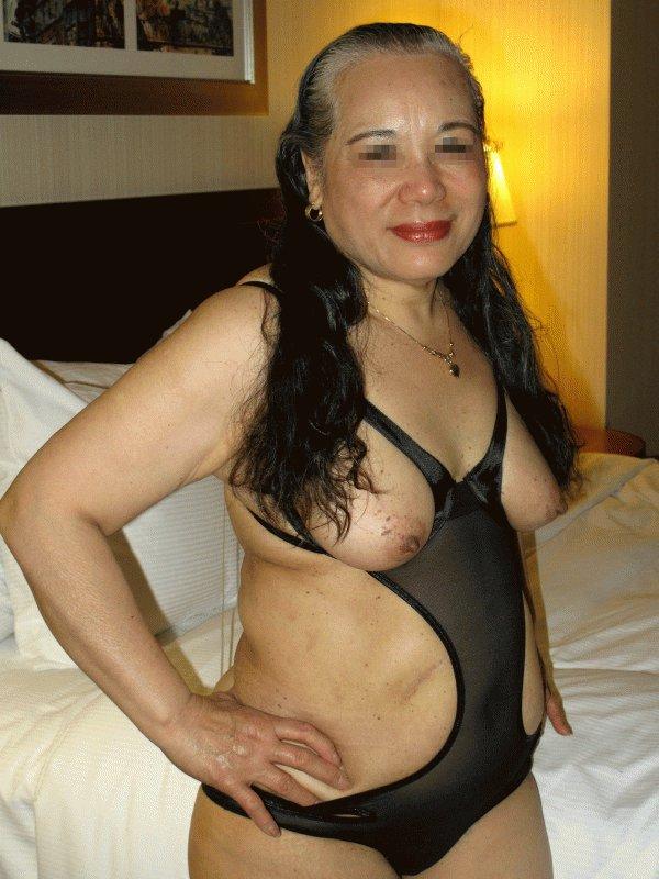 tante stw nenek sexy