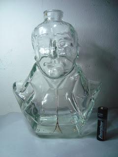 Botol Kaca Bentuk Kepala Manusia